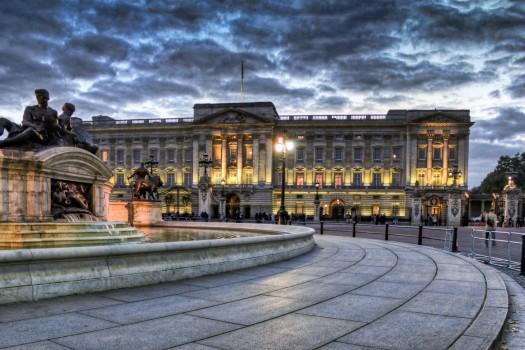 Букингемский дворец открыт для посещения