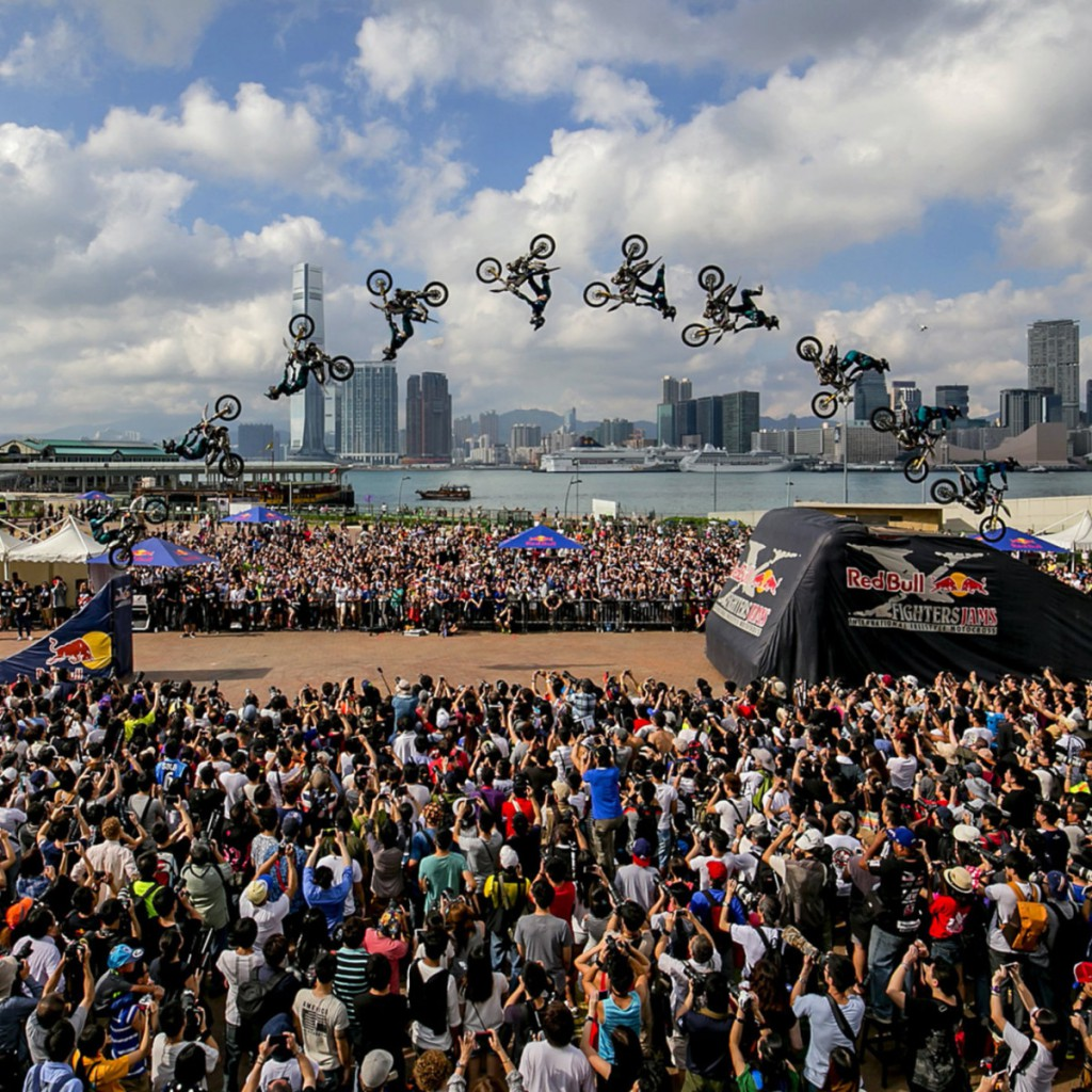 Gilles Dejong performs at the Red Bull X-Fighters Jams 2015 Hong Kong at Central Harbourfront in Hong Kong, China on April 4th, 2015 // Brian Ching See Wing / Red Bull Content Pool // P-20150405-00126 // Usage for editorial use only // Please go to www.redbullcontentpool.com for further information. //