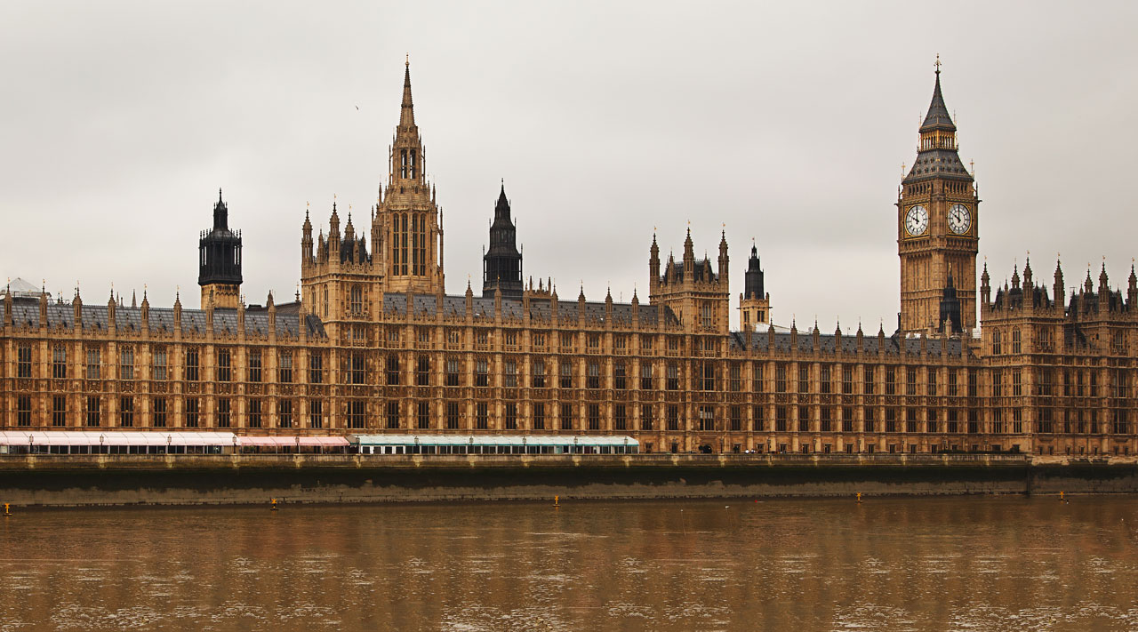 houses-of-parliament-in-london-112882724794Vd0