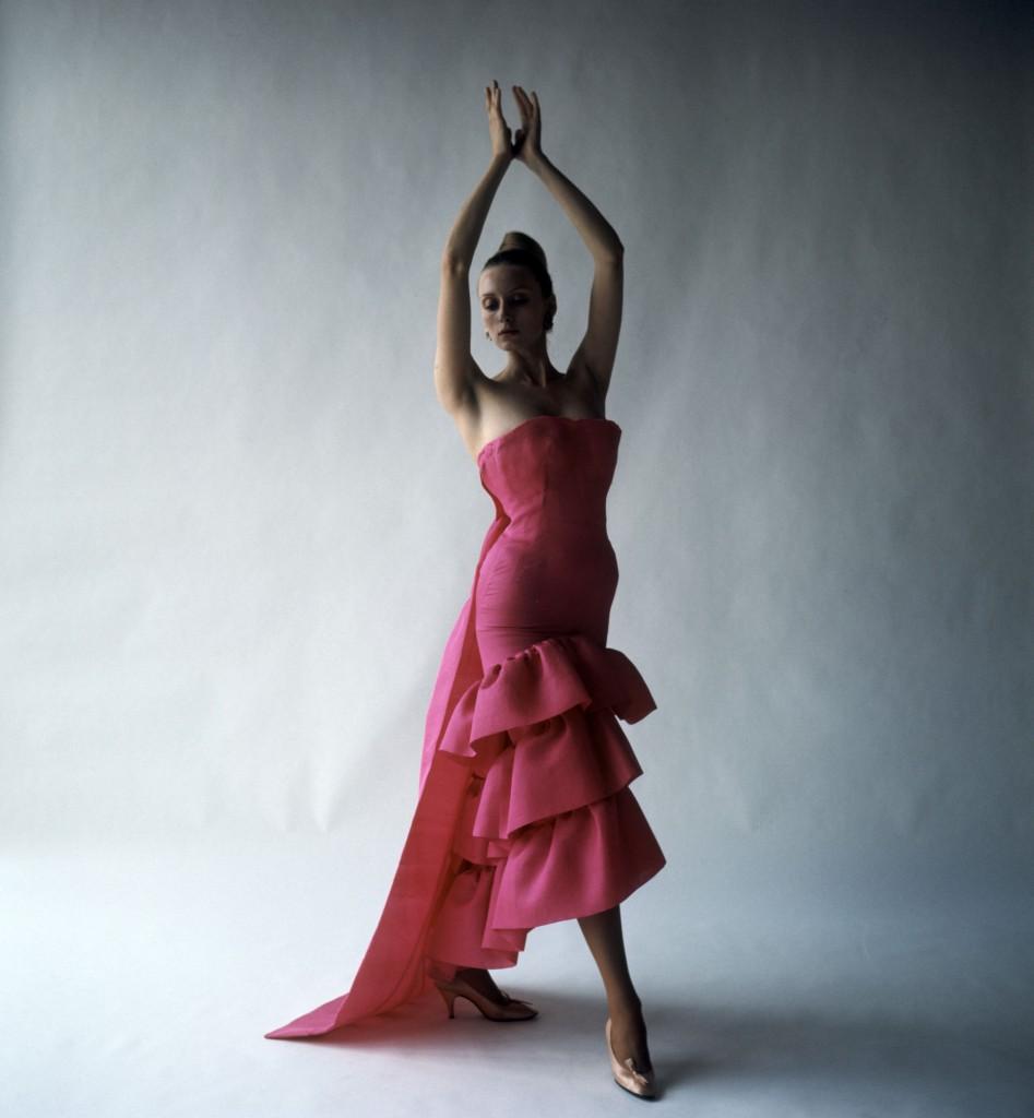 Flamenco-style_evening_dress_Cristóbal_Balenciaga_Paris_1961._Photograph_by_Cecil_Beaton_1971__Cecil_Beaton_Studio_Archive_at_Sothebys