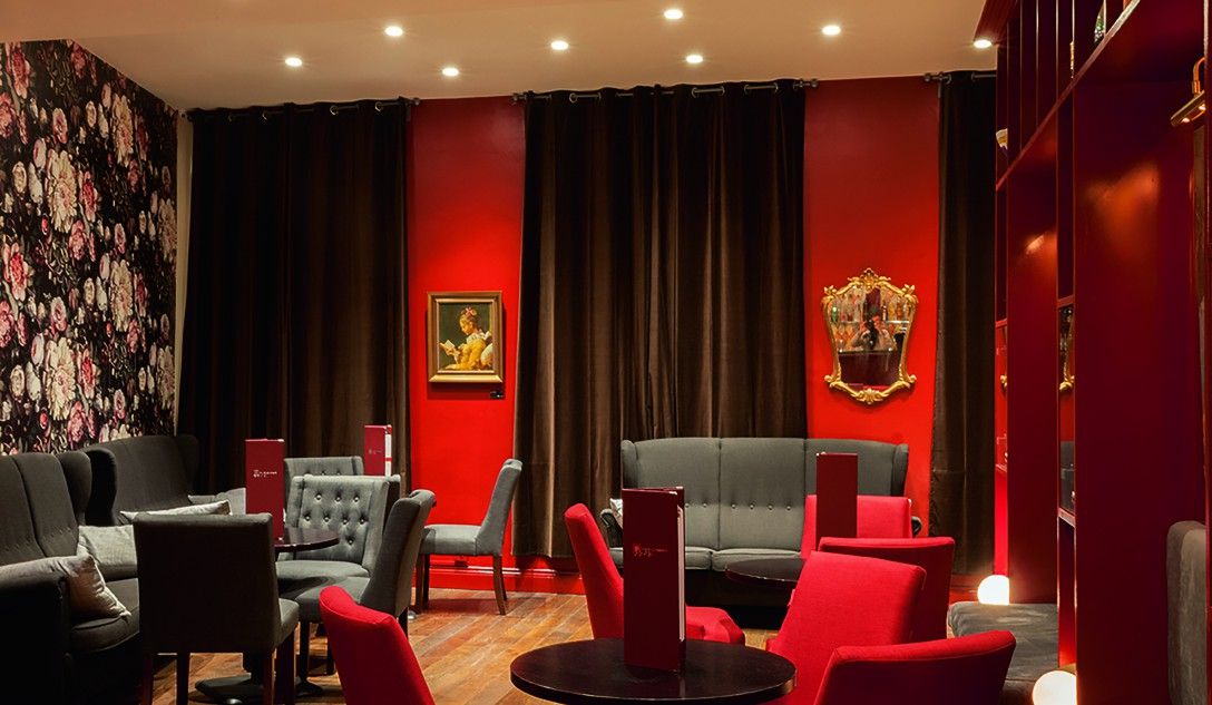 (300) Lounge2