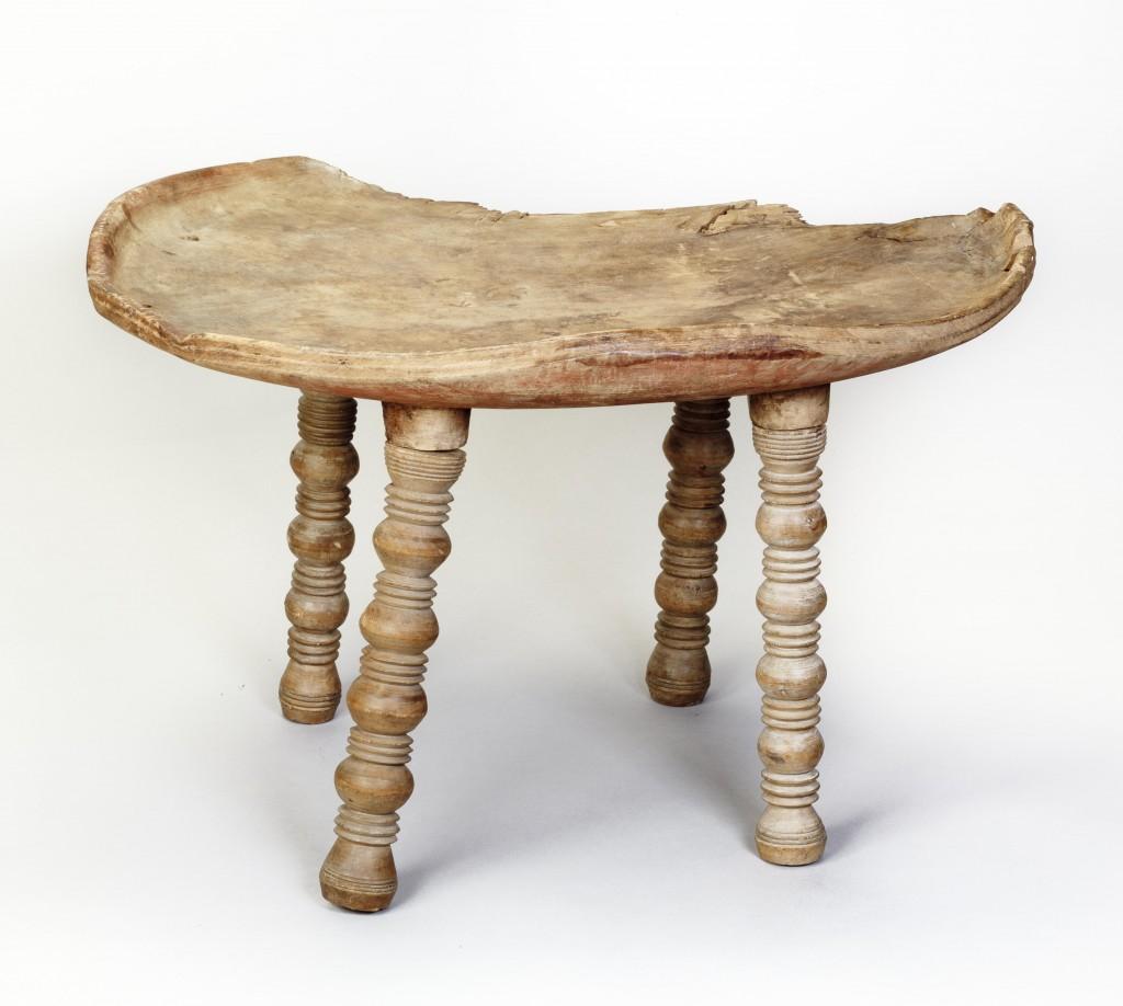 Стол с выточенными ножками © State Hermitage Museum, St Petersburg. Photo: V Terebenin