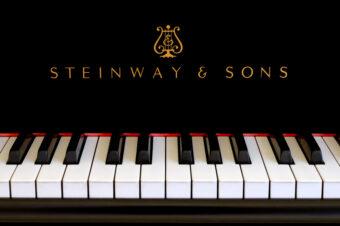 Инструменты Steinway & Sons