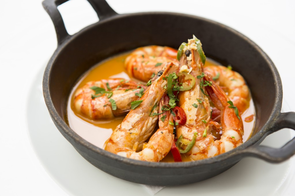 Gamberoni in Padella king prawns on the pan served in a parsley, garlic lemon & chilli sauce gf -£14 (1)
