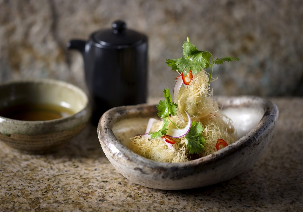 fried langoustines with red chilli sour dashi and onions - tenagaebi no tempura