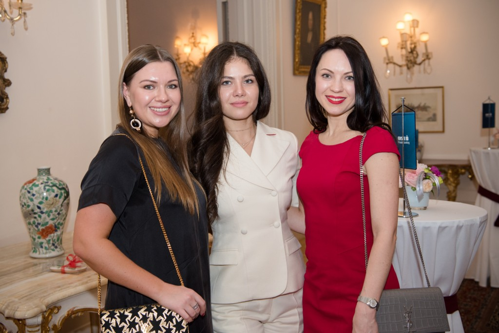 Julia Oleynikova, Violetta Onishchenko (Pennington Mantches), Gennia Silva (Lush Petals)