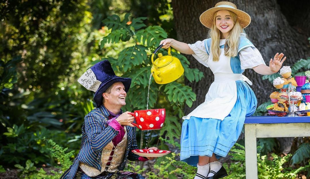 Rutage Alice in Wonderland