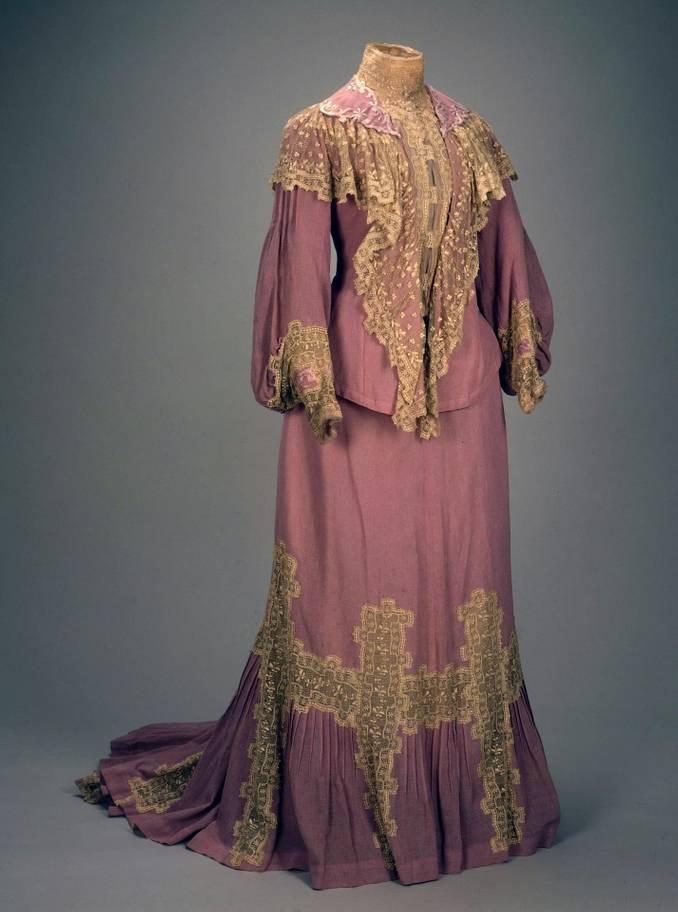 Одежда императрицы Александры Федоровны, которую она носила во время беременности, 1904 Государственный Эрмитаж, 2018