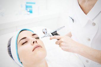 Здоровая кожа с косметикой  QMS Medicosmetics