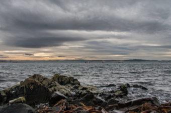 Пять островов на побережье Великобритании, где можно уединиться