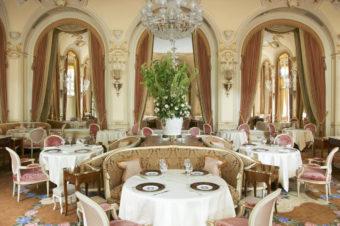 Ritz Paris проведет онлайн-аукцион предметов сервировки и декора