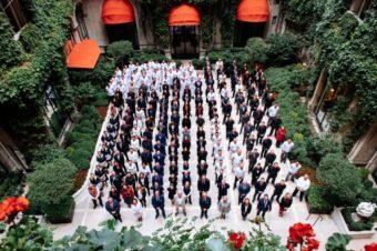 Парижский отель Plaza Athénée вновь приветствует гостей