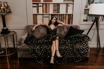 Стоит ли в этом году покупать вечернее платье? Что говорит Queendom