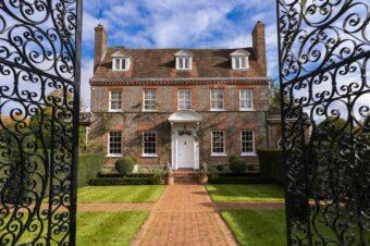 Christie's проведет аукционы, посвященные коллекции Кэтлин Форд