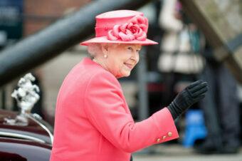 Протокол, стиль и образы: как одеваются женщины королевской семьи
