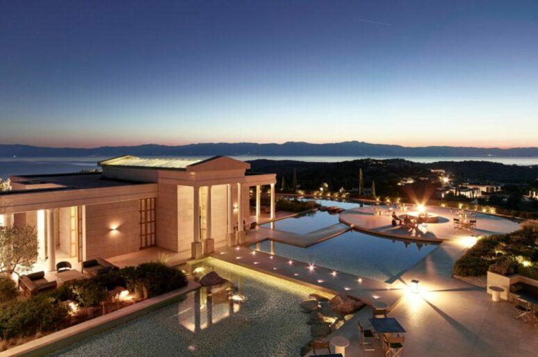 Пять стильных пляжных клубов в отелях мира