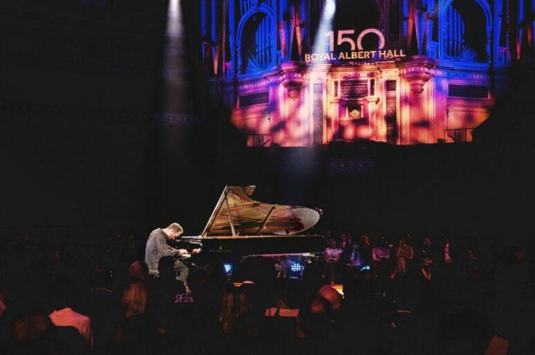 Steinway & Sons выпустила рояль в честь 150-летия Альберт-холла